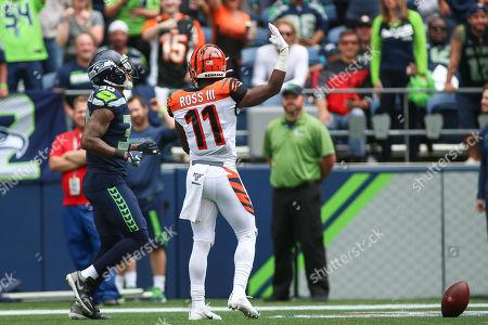 Cincinnati Bengals wide receiver John Ross III (11) scores a touchdown during a game between the Cincinnati Bengals and Seattle Seahawks at CenturyLink Field in Seattle, WA