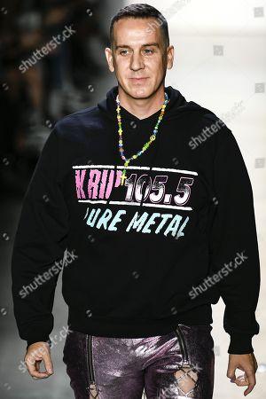 Jeremy Scott on the catwalk