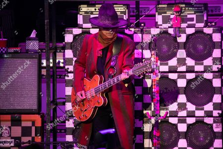 Cheap Trick - Tom Petersson