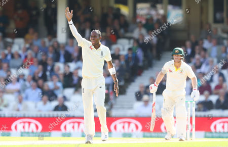 England's Jofra Archer appeals and gets the wicket of David Warner of Australia (R) with a strange edge that seemed to miss the bat despite an ultra edge indication