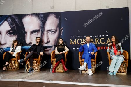 Mexican-born producer Salma Hayek (R) and actors/cast members Osvaldo Benavides (2-L), Rosa María Bianchi (L), Irene Azuela (C) and Juan Manuel Bernal (2-R) attend a press conference on the new Netflix series 'Monarca (Monarch)' in Mexico City, Mexico, 10 September 2019. The series will be released on the Netflix streaming platform on 13 September.