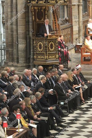 The Right Honourable Sir John Major KG CH gives The Address with the former Prime Ministers listening below