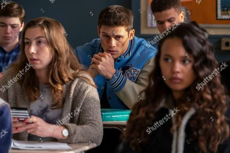 Timothy Granaderos as Montgomery de la Cruz and Alisha Boe as Jessica Davis