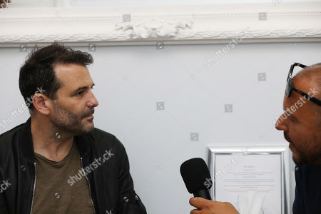 Journalist and author Raphael Honigstein speaks to the Gooner Fanzine TV about his book written with Per Mertesacker at the Book Launch for 'The Big Friendly German' at Torrington Hall on 10th September 2019