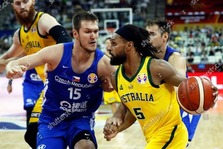 Patty Mills (R) of Australia in action against Martin Peterka (L) of the Czech Republic during the FIBA Basketball World Cup 2019 quarter final? match between Australia and the Czech Republic in Shanghai, China, 11 September 2019.