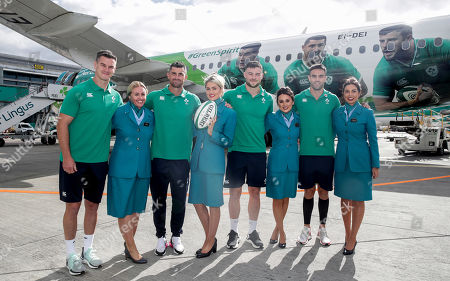 As the Official Airline of the Irish Rugby Team, Aer Lingus was proud to send the Irish rugby squad on their way to Japan and to help to bring Home Advantage wherever we play. Pictured boarding Aer Lingus' Green Spirit, flight EI174, to London Heathrow this afternoon was the Irish rugby squad led by Captain Rory Best. Aer Lingus cabin crew and ground staff formed a guard of honour as they boarded the aircraft. Flight EI174 was operated by Aer Lingus Captain Thomas Jordan and First Officer Nicholas Power. Pictured is Aer Lingus ambassadors Jonathan Sexton, Rob Kearney, Robbie Henshaw and Conor Murray with Aer Lingus cabin crew Nicole Leonard, Lianne Stapleton, Shannen McDonnell and Sophie Warren