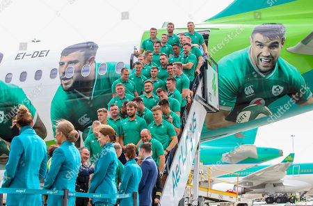 As the Official Airline of the Irish Rugby Team, Aer Lingus was proud to send the Irish rugby squad on their way to Japan and to help to bring Home Advantage wherever we play. Pictured boarding Aer Lingus' Green Spirit, flight EI174, to London Heathrow this afternoon was the Irish rugby squad led by Captain Rory Best. Aer Lingus cabin crew and ground staff formed a guard of honour as they boarded the aircraft. Flight EI174 was operated by Aer Lingus Captain Thomas Jordan and First Officer Nicholas Power. Pictured is the Ireland team before departing for Japan