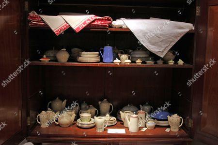 Linen cloths and tea services