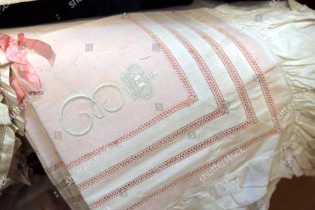 Fine linen pillow cases