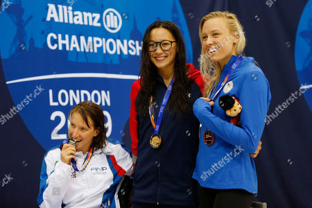 (L-R) Xenia Francesca Palazzo of Italy, Alice Tai of Britain and Jessica Long of USA pose during a medal presentation for the Women's 400M Freestyle S8 final on day four of the World Para Swimming Championships at the London Aquatics Centre in London, Britain, 12 September 2019. The event is one of the largest Para Swimming championships and will see nearly 600 swimmers compete from 09 September to 15 September 2019.