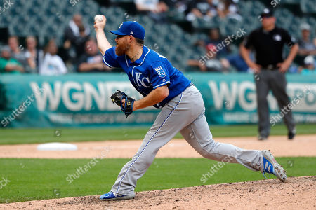 Kansas City Royals relief pitcher Ian Kennedy delivers during the ninth inning of a baseball game against the Chicago White Sox, in Chicago