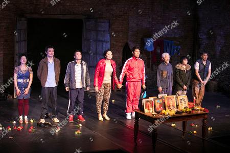 Tuyen Do (Lili/An-Mei/Ruzhen), Vincent Lai (Wen/Johnny), Aidan Cheng (Little Yi/Peter), Celeste Den (Yin-Yin/Luo-Na), Christopher Goh (Shen/Han-Han), Togo Igawa (Old Yang/Minister Li), Millicent Wong (Jasmine/Pei-Pei) and Kok-Hwa Lie (Kuan/Wang-Wei) during the curtain call