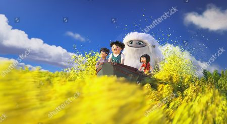 Jin (Tenzing Norgay Trainor), Peng (Albert Tsai), Everest the Yeti (Joseph Izzo) and Yi (Chloe Bennet)