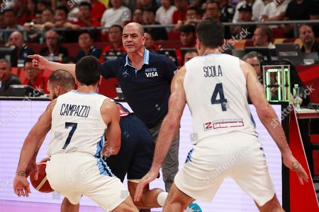 Argentina's head coach Sergio Hernandez (C) reacts during the FIBA Basketball World Cup 2019 semi final match between Argentina and France in Beijing, China, 13 September 2019.