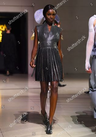 Leomie Anderson on the catwalk