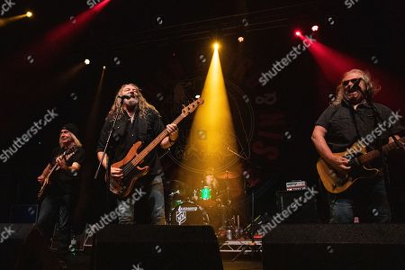 Richard Young, Fred Young, Doug Phelps and Greg Martin - Kentucky Headhunters