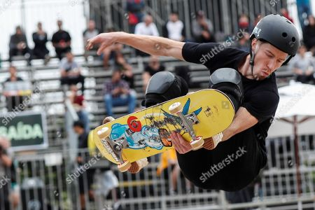 Shaun White of USA in action during the quarter finals of the World Skate Championship in the mode 'park', at the Candido Portinari Park, in Sao Paulo, Brazil, 13 September 2019.