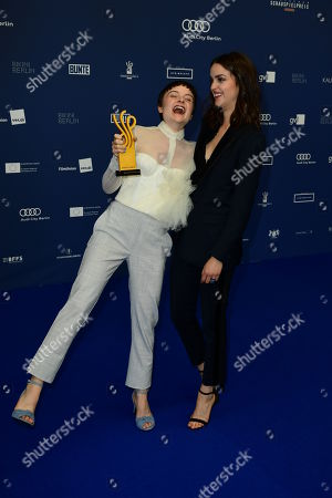 Lena Urzendowsky (L) poses next to laudatory speaker, German actor Luise Befort, with her award in the category coming actors during the German Drama Award (Deutscher Schauspielpreis) in Berlin, Germany 13 September 2019.