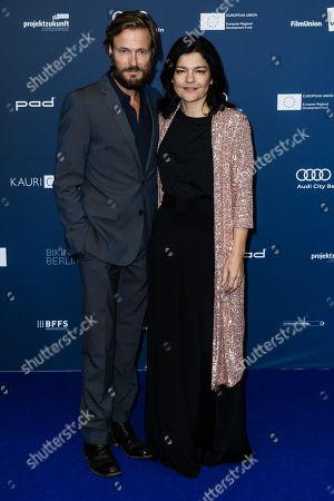 Andreas Pietschmann (L) and wife German actress Jasmin Tabatabai arrive for the German Drama Award (Deutscher Schauspielpreis) ceremony in Berlin, Germany, 13 September 2019 (issued 14 September 2019).