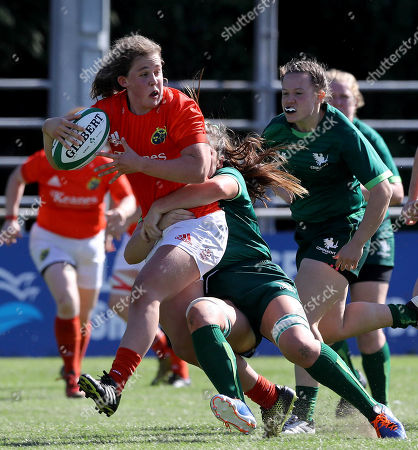 Munster Women vs Connacht Women. Munster's Enya Breen