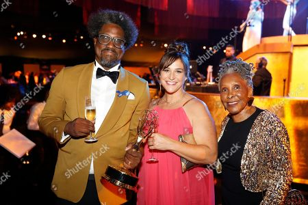 "W. Kamau Bell, Melissa Bell, Janet Cheatham Bell. W. Kamau Bell, from left, winner of the award for outstanding unstructured reality program for ""United Shades of America with W. Kamau Bell"", Melissa Bell, and Janet Cheatham Bell attend the Governors Ball during night one of the Television Academy's 2019 Creative Arts Emmy Awards, at the Microsoft Theater in Los Angeles"