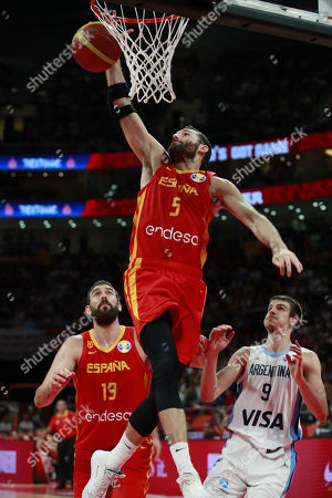 Rudy Fernandez of Spain (C) in action during the FIBA Basketball World Cup 2019 final match between Argentina and Spain, in Beijing, China, 15 September 2019.