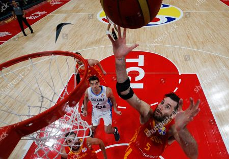 Rudy Fernandez (R) of Spain in action during FIBA Basketball World Cup 2019 final match between Argentina and Spain in Beijing, China, 15 September 2019.