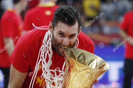 Rudy Fernandez of Spain celebrates with the World Cup trophy following their win against Argentina in the FIBA Basketball World Cup 2019 final match in Beijing, China, 15 September 2019.