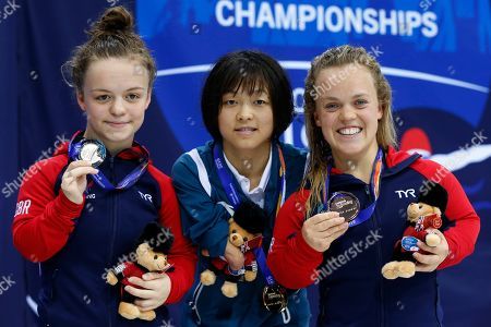 (L-R) Maisie Summers-Newton of Great Britain, Eleanor Simmonds of Great Britain and Daomin Liu of China pose with their medals for the Women's 100M Breaststroke SB6 on day 7 of the World Para Swimming Championships at the London Aquatics Centre in London, Britain, 15 September 2019. The event is one of the largest Para Swimming championships and will see nearly 600 swimmers compete from 09 September to 15 September 2019.