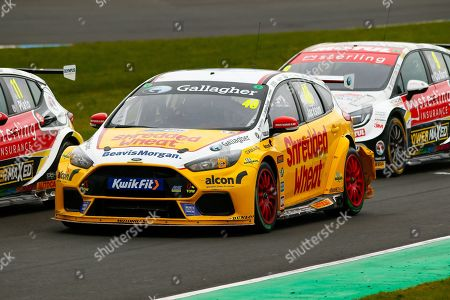 Ollie JACKSON Team Shredded Wheat Racing with Gallagher is flanked by the Vauxhall pairing of Jason PLATO Sterling Insurance with Power Maxed Racing & Rob COLLARD Sterling Insurance with Power Maxed Racing during the Kwikfit British Touring Car Championship at Knockhill Racing Circuit, Dunfermline