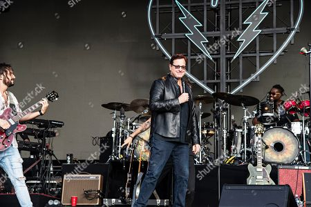 Bob Saget performs with David Shaw of The Revivalists during KAABOO 2019 at the Del Mar Racetrack and Fairgrounds, in Del Mar, Calif