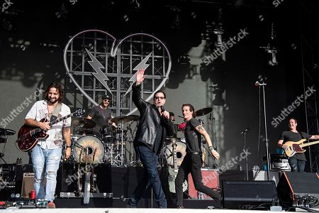 Bob Saget, David Shaw. Actor/comedian Bob Saget performs with David Shaw of The Revivalists during KAABOO 2019 at the Del Mar Racetrack and Fairgrounds, in Del Mar, Calif