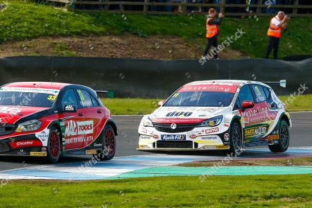 Adam MORGAN Mac Tools with Ciceley Motorsport & Jason PLATO Sterling Insurance with Power Maxed Racing at Leslies during Round 23 of the Kwikfit British Touring Car Championship at Knockhill Racing Circuit, Dunfermline