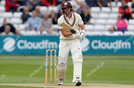 Jamie Smith of Surrey keeps a close eye on the ball during Essex CCC vs Surrey CCC, Specsavers County Championship Division 1 Cricket at The Cloudfm County Ground on 16th September 2019