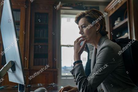 Gina Mckee as Jennifer Birch