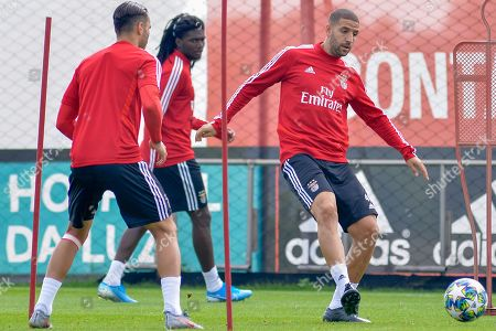 Benfica's player Adel Taarabt (R) in action during a training session in view of upcoming UEFA Champions League Group G against RB Leipzig, in Seixal, near Lisbon, Portugal, 16 September 2019.