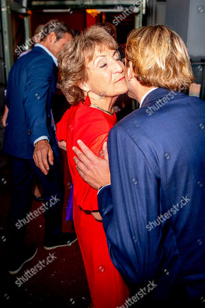 Princess Margriet and Prince Floris arrive at a special performance of the NatuurCollege in Theater Carre.