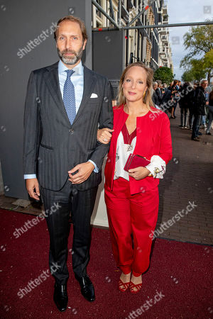 Princess Margarita and Tjalling ten Cate arrive at a special performance of the NatuurCollege in Theater Carre.