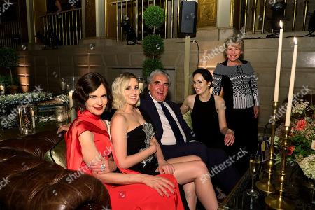 Stock Image of Elizabeth McGovern, Laura Carmichael, Jim Carter, Michelle Dockery and Imelda Staunton
