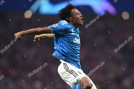 Juan Cuadrado of Juventus celebrates his goal