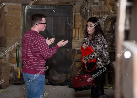 Ep 8596 Wednesday 18th September 2019 At Butler's barn, an up to no good Mandy Dingle, as played by Lisa Riley, and Vinny, as played by Bradley Johnson, are desperately searching for a bag.