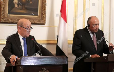 French Foreign Minister Jean-Yves Le Drian (L) and his Egyptian counterpart Sameh Shoukry (R) during a joint press conference in Cairo, Egypt, 17 September 2019.