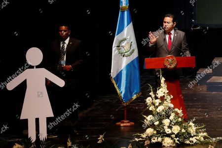 Guatemalan President Jimmy Morales (R) speaks during the national population census launch event in Guatemala City, Guatemala, 17 September 2019. Guatemala has 14.9 million inhabitants and a reduction of the population under 15, which causes a 'moderate aging process' and the beginning of the 'demographic bonus'. 51.5% of the country's population corresponds to women (7.678.190), while 48.5% corresponds to men (7.223.096). These are some of the results of the census released Tuesday by the Government of Guatemala.