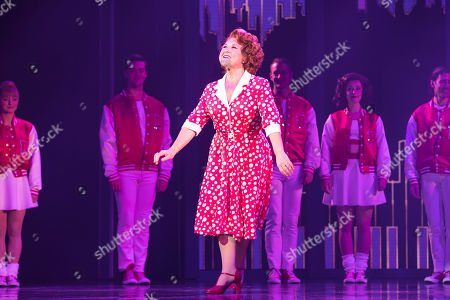 Wendi Peters (Mrs Baskin) during the curtain call