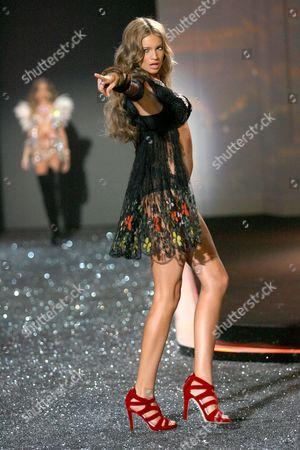 Kylie Bisutti on catwalk