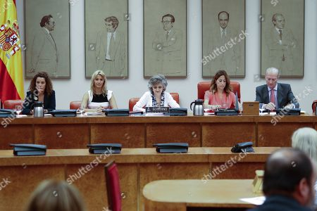The acting minister of Health, Consumption and Social Welfare, Maria Luisa Carcedo, presides to inform about the outbreak of listeriosis
