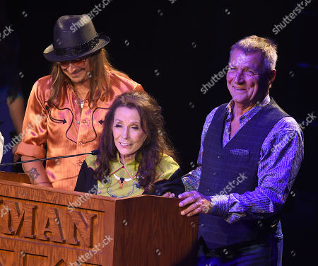 Kid Rock, Loretta Lynn and Ernest Ray Lynn