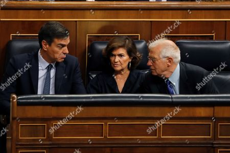 (L-R) Spanish acting Prime Minister Pedro Sanchez, acting deputy Prime Minister Carmen Calvo and Spanish Foreign Minister Josep Borrell attend the last question time session at Parliament before elections, in Madrid, Spain, 18 September 2019. The country will be holding elections for a second time in a year on 10 November 2019, after Sanchez failed to form a government.
