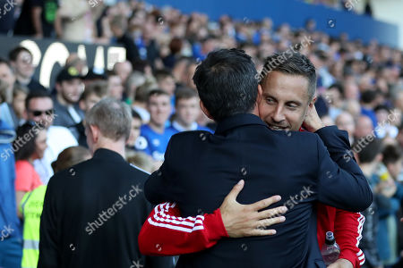 Everton manager Marco Silva greets Phil Jagielka of Sheffield United