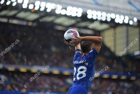 Cesar Azpilicueta of Chelsea takes a throw in